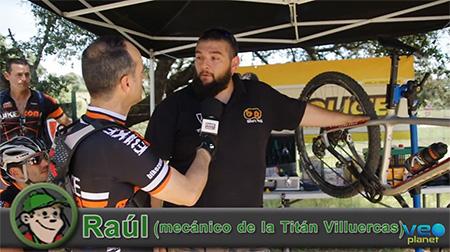 Raúl, el mecánico de la Titan Villuercas